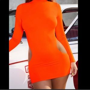 NWOT Oh Polly long sleeve mini dress with cut out